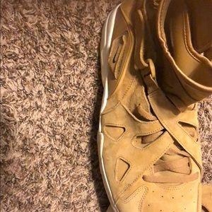 Nile shoes size 15